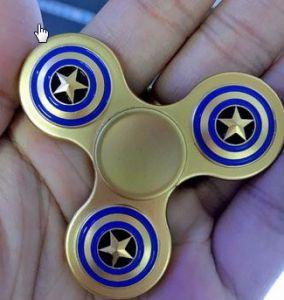 Con quay Spinner 3 cánh kim loại hình ngôi sao