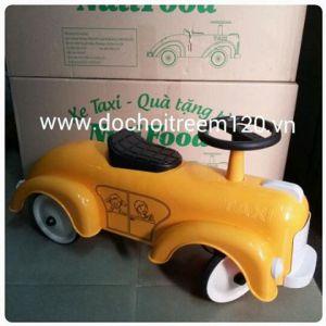 Xe taxi Nuti chòi chân cho bé dưới 4 tuổi
