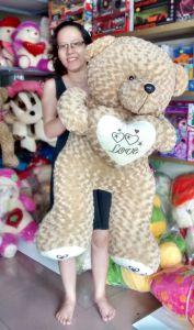 Gấu teddy ôm tim