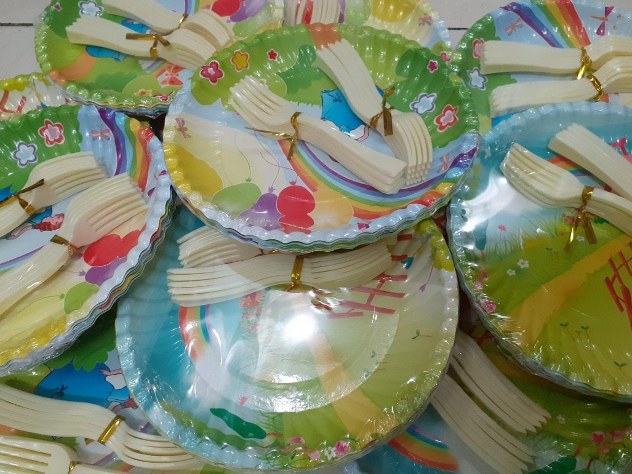 Set 10 đĩa giấy có nĩa
